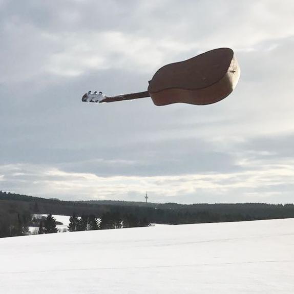 Fliegende Gitarre